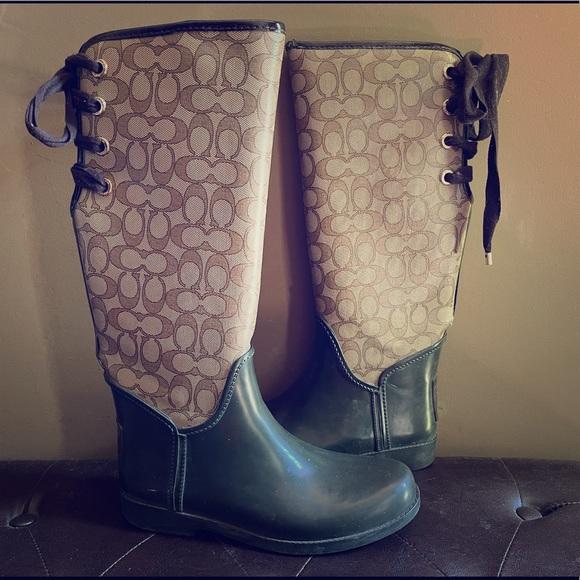 Coach rain boots size 9!🤎